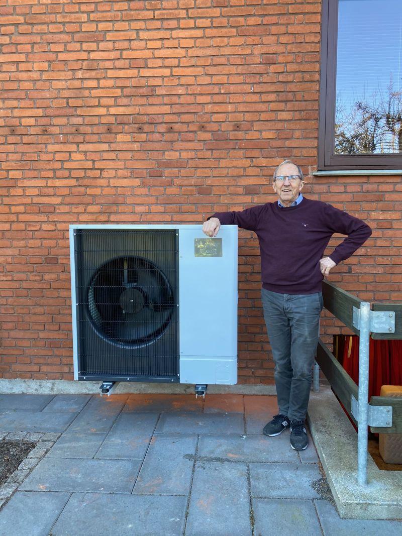 Jens fik en ny Ecodan luft til vand varmepumpe fra Mitsubishi