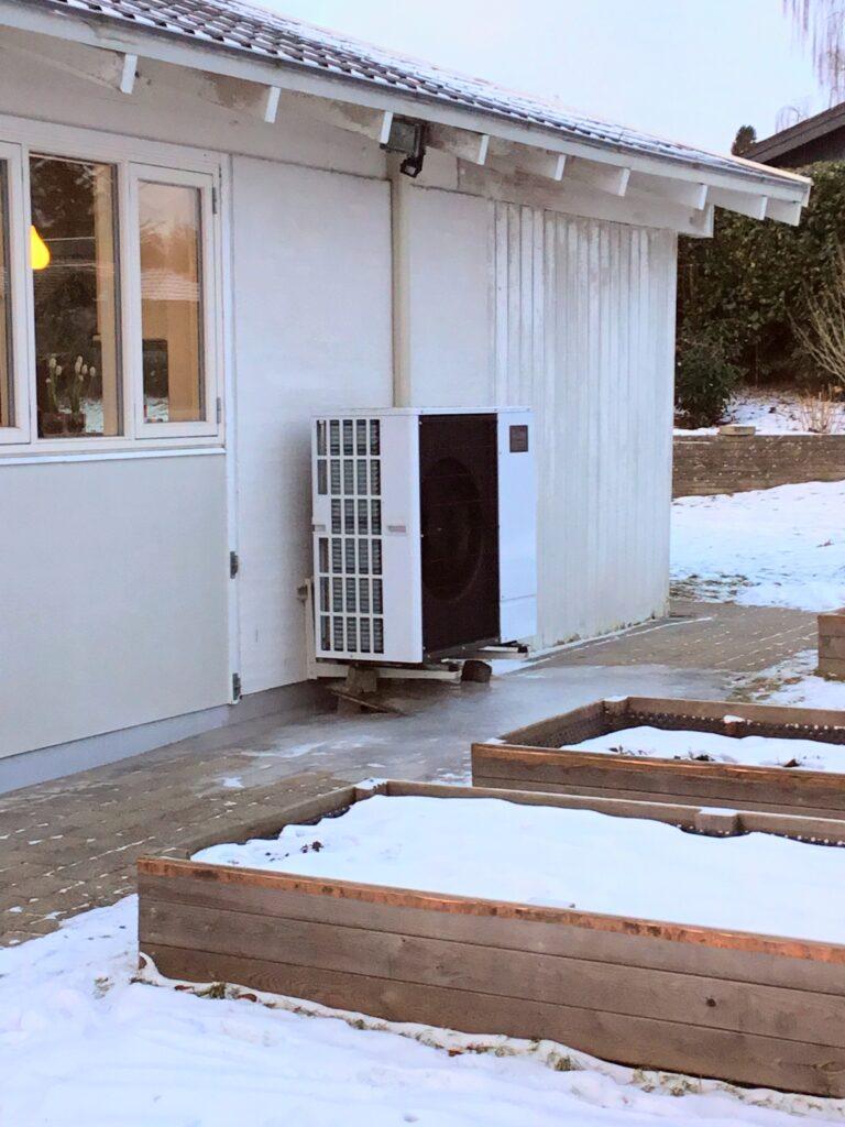 Uffe sparede 73% på sin varmeregning ved at skifte til en varmepumpe